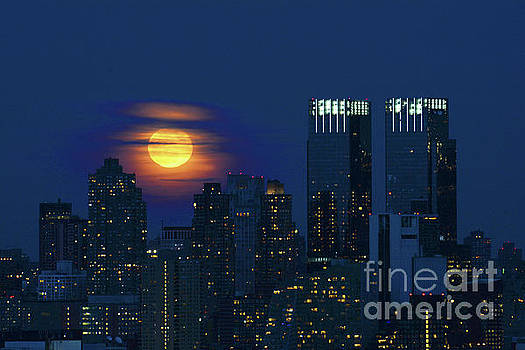 Regina Geoghan - NYC Snow Moon Rising