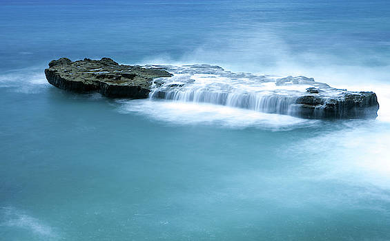 Ocean and rock by LesJardins Photography