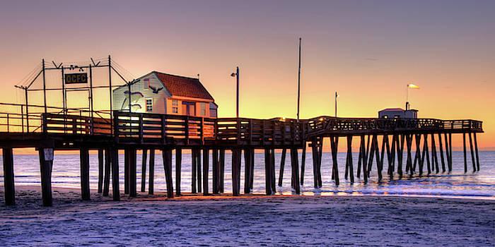 Ocean City Fishing Pier by Dan Myers
