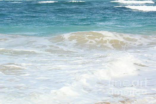 Ocean Foam by BloodFire