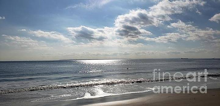 Ocean lit by the sun by Olga Malamud-Pavlovich