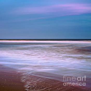 Ocean Waves by Patrick M Lynch