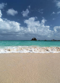 Oh What a Wonderful Day Bermuda by Betsy Knapp