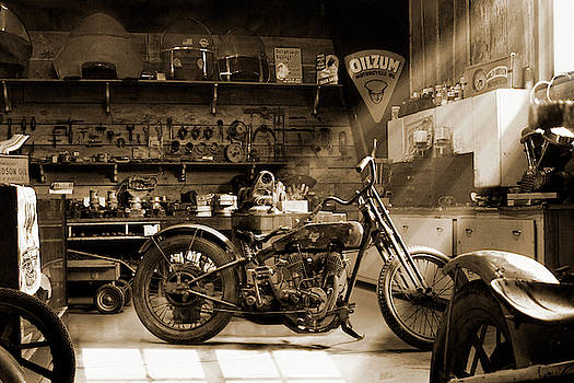 Old Motorcycle Shop sp by Mike McGlothlen