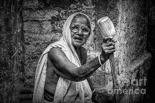 Indian Street Photo - Old Poor Woman Portrait by Stefano Senise