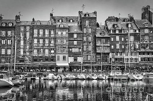 Old port of Honfleur black and white by Delphimages Photo Creations