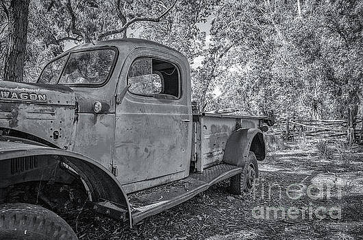 Old Truck by Jon Vemo