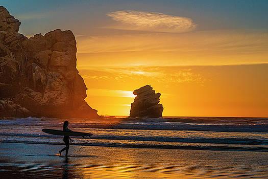 One Last Wave by Fernando Margolles