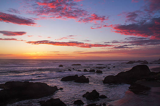 Pacific Sunset by Debby Richards