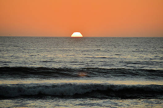 Pacific Sunset by Michael Merry