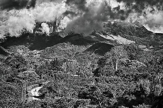 Tatiana Travelways - Panama Mountains BW