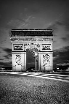 Melanie Viola - PARIS Arc de Triomphe - monochrome