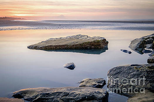 Pastel beach sunset by Johan Vanbockryck