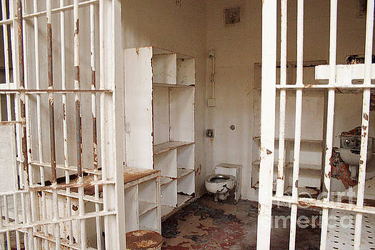 Prison Cell at Brushy Mountain by Geraldine DeBoer