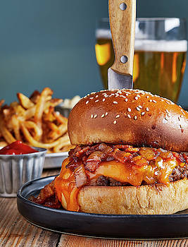 Pub burger and fries by Cuisine at Home