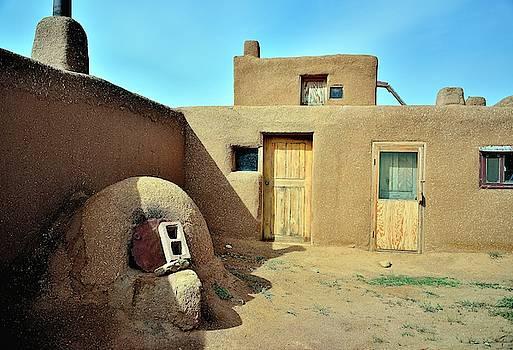 Pueblo dwelling by Gerald Blaine
