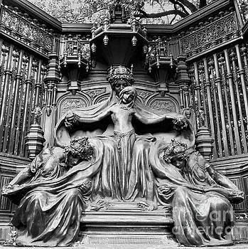Queen Alexandra Memorial by Suzette Kallen