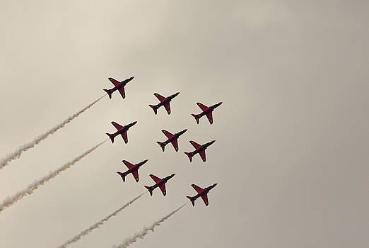 Red Arrows Diamond Formation RAF Cosford 2019 by Scott Lyons