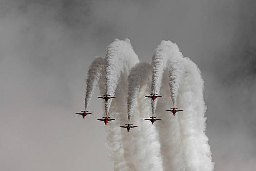 Red Arrows Plumes of smoke at RAF Cosford 2019 by Scott Lyons