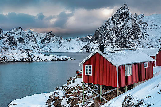 Red Fishing Cabin in Hamnoy by Jerry Fornarotto