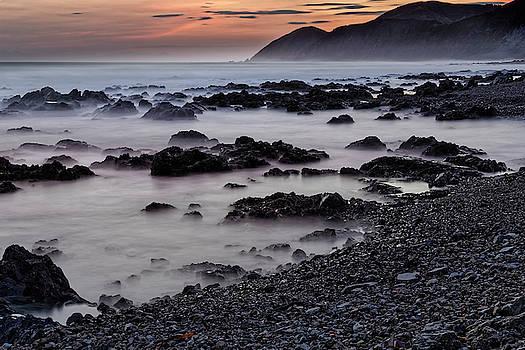 Werner Kaffl - Red Rocks at dusk
