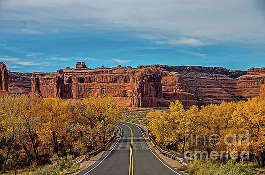 Roadway to Arches by Stephen Whalen