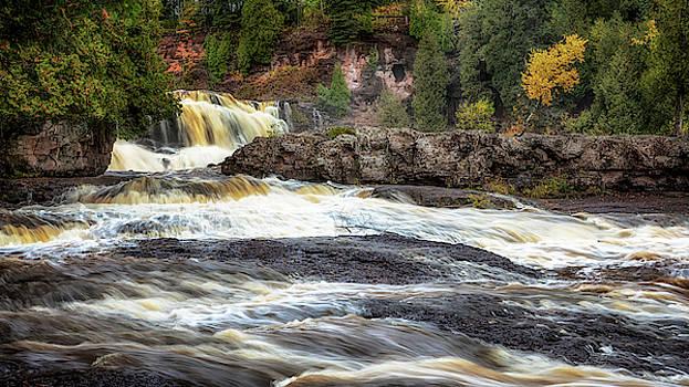 Susan Rissi Tregoning - Roaring Gooseberry Falls