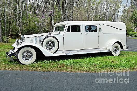 Rolls Royce Hearse II by Linda Covino