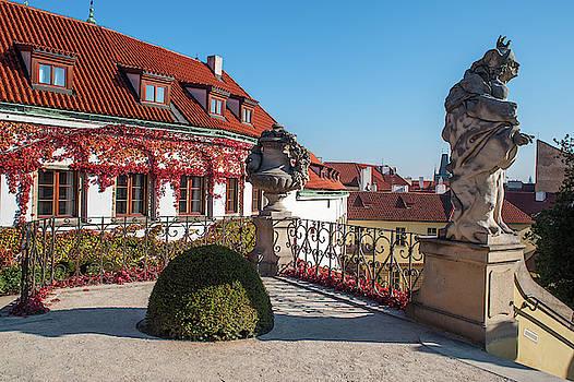 Jenny Rainbow - Romantic Corner in Vrtba Garden 3