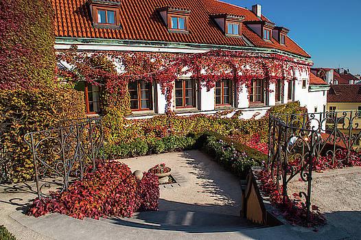Jenny Rainbow - Romantic Corner in Vrtba Garden