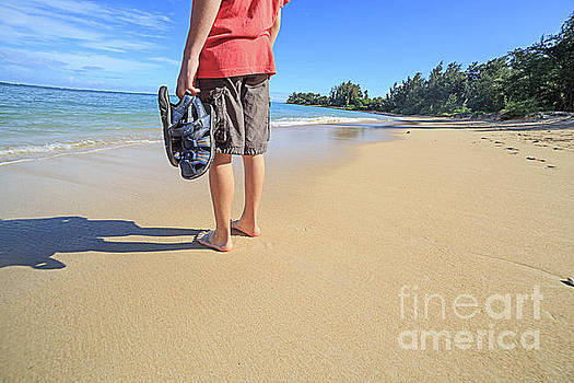 Sand Between My Toes Maui Hawaii by Edward Fielding