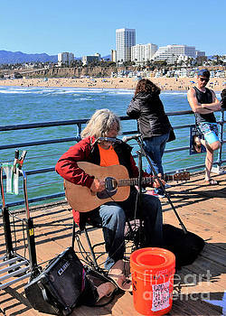 Diann Fisher - Santa Monica Pier Street Musician