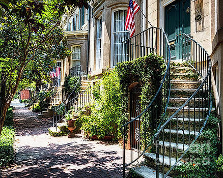 Savannah Street cHARM i by George Oze