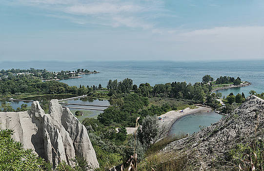 Scarborough bluffs by Nick Mares