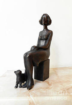 Sculpture, Realistic Figurine of a Young Girl with a Cat by Nikola Litchkov