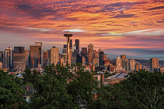 Seattle Glow by Wes and Dotty Weber