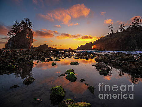Second Beach Sunset Sunrays Though the Hole by Mike Reid