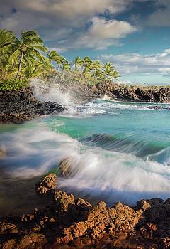 Secret Cove / Maui, Hawaii  by Nicholas Parker