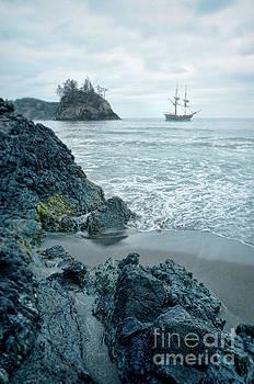 Jill Battaglia - Ship Offshore