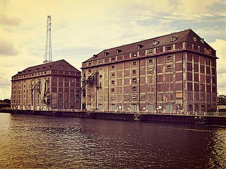 Jurgen Huibers - Shipyard Buildings