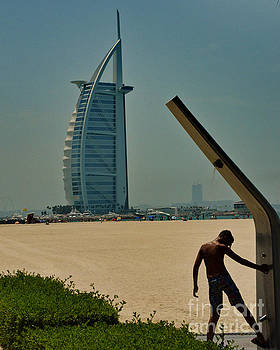 Shower at Burj Al Arab by Yavor Mihaylov