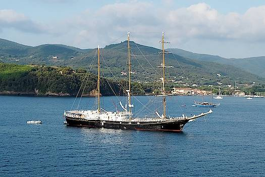 James Lamb - Signora del Vento, anchored at Portoferraio, Elba