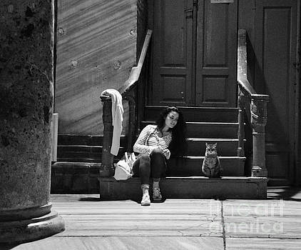 Small talk between girl and cat - Black and white by Yavor Mihaylov