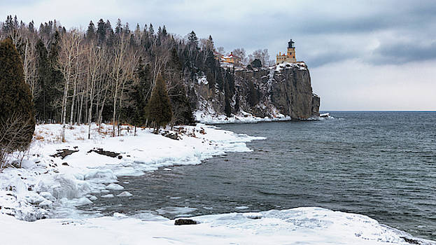 Susan Rissi Tregoning - Snowy Split Rock Lighthouse