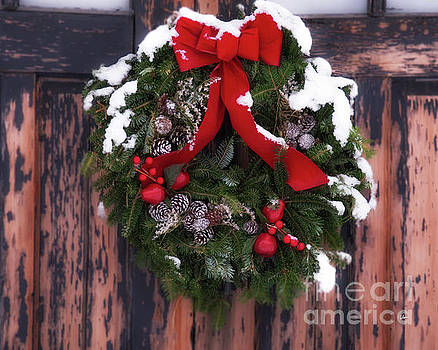 Snowy Wreath by Alana Ranney
