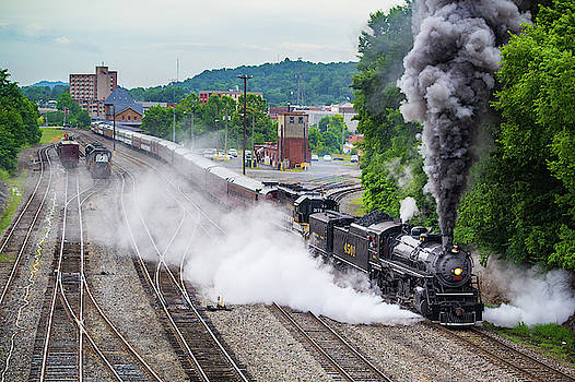 Southern 4501 Departs Bristol by Greg Booher