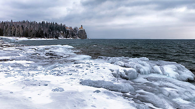 Susan Rissi Tregoning - Split Rock on Ice
