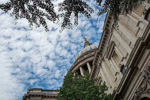 St Paul' s Cathedral architecture details in London, United Kingdo by Michalakis Ppalis