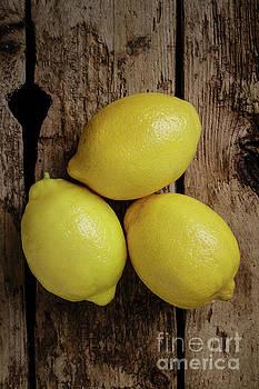 Edward Fielding - Still life with three lemons