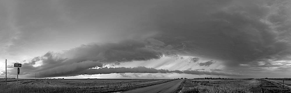 NebraskaSC - Storm Chasin in Nader Alley 002